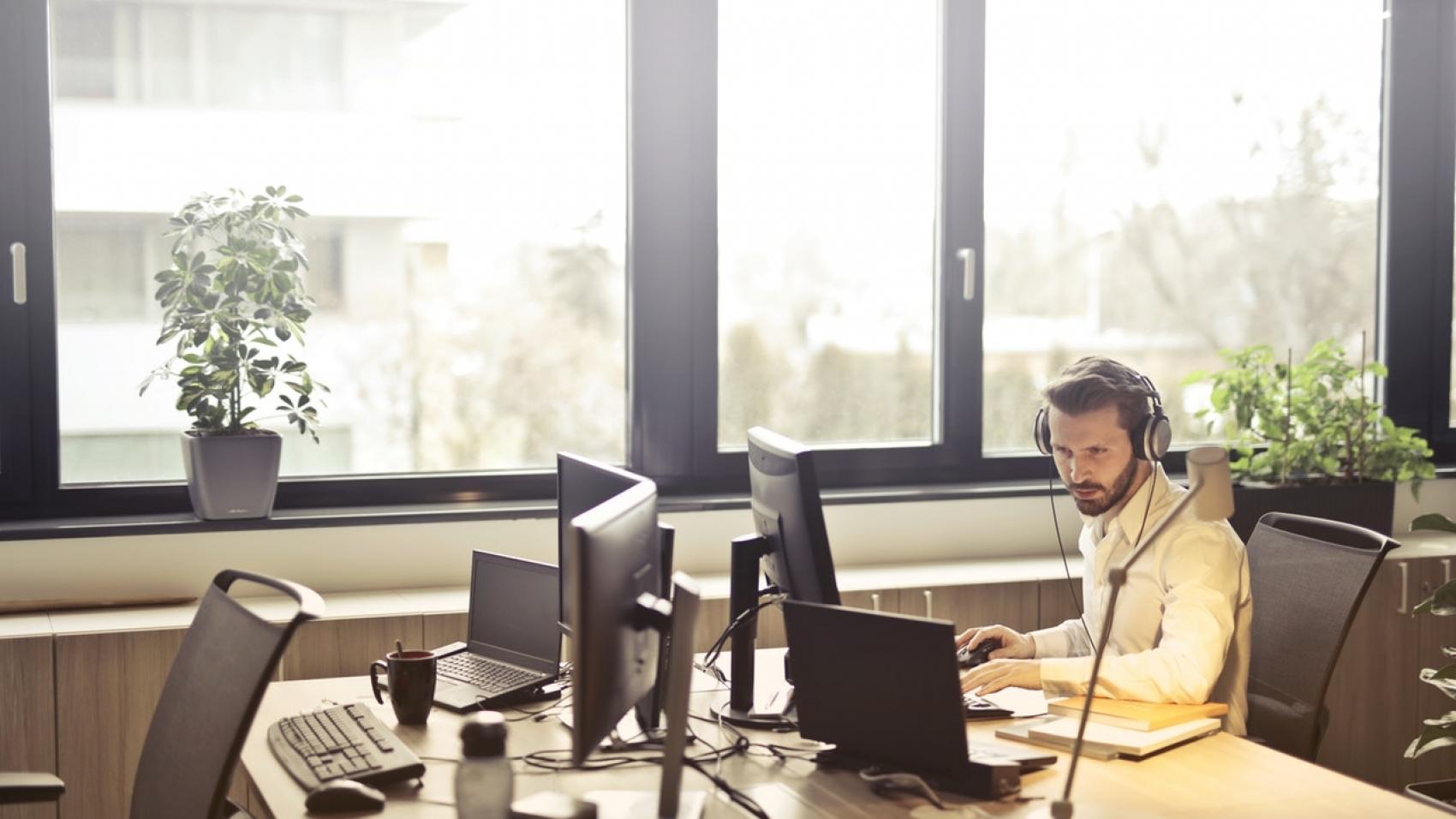 a social media virtual assistant