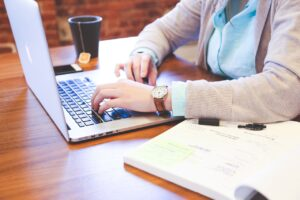 female employee in an article outsourcing firm
